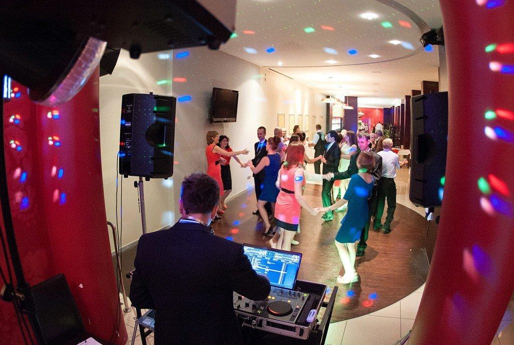 Szymon DJ na wesele